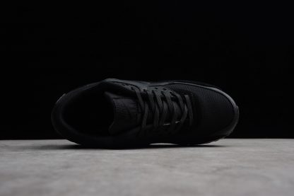 premium selection 018a4 84dee Nike Air Max 90 Essential Triple Black 325213-043